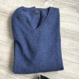 Like new men's J Crew cashmere sweater